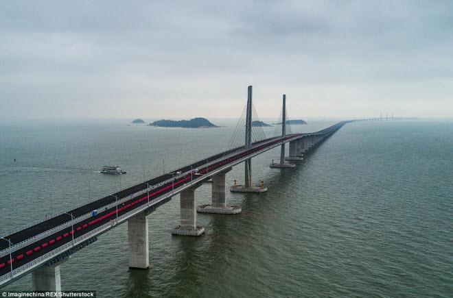 Ngắm cây cầu biển dài chưa từng thấy sắp hoàn thành ở TQ - 8