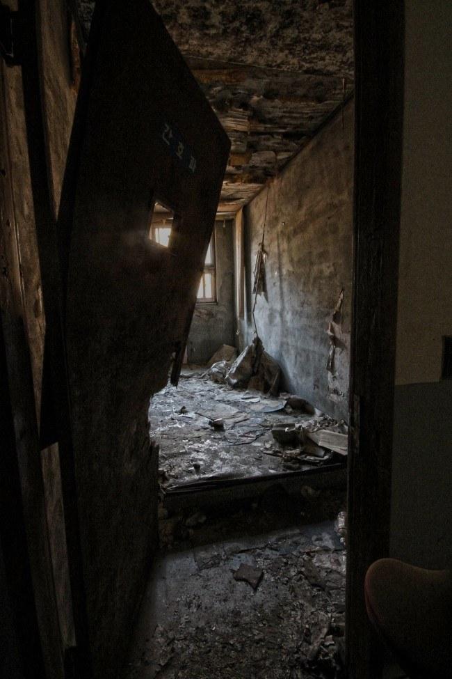 Săn ma trong bệnh viện tâm thần bỏ hoang tại Hàn Quốc - 3
