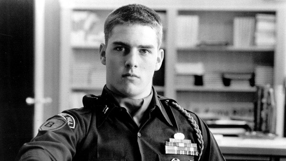 """Brad Pitt và Tom Cruise: Ai vào vai quân nhân """"chuẩn"""" nhất? - 1"""