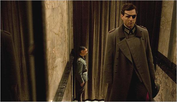 """Brad Pitt và Tom Cruise: Ai vào vai quân nhân """"chuẩn"""" nhất? - 4"""