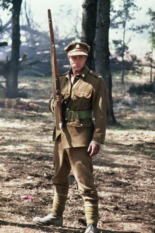 """Brad Pitt và Tom Cruise: Ai vào vai quân nhân """"chuẩn"""" nhất? - 8"""