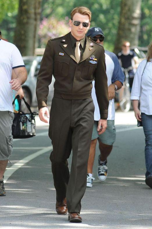 """Brad Pitt và Tom Cruise: Ai vào vai quân nhân """"chuẩn"""" nhất? - 14"""