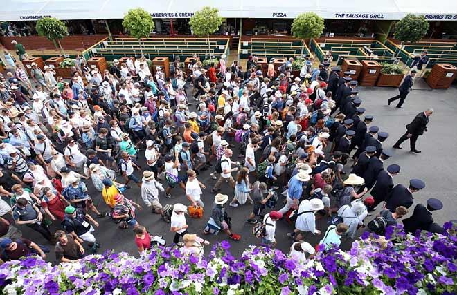 """Tin nóng Wimbledon ngày 8: Federer """"dọa"""" Nadal, Djokovic - 2"""