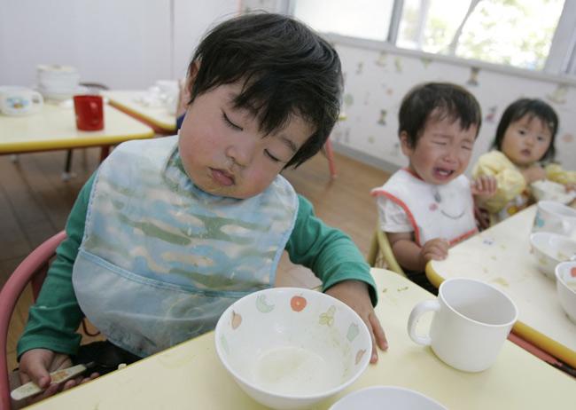 Có gì đặc biệt trong bữa trưa của học sinh Nhật Bản? - 10