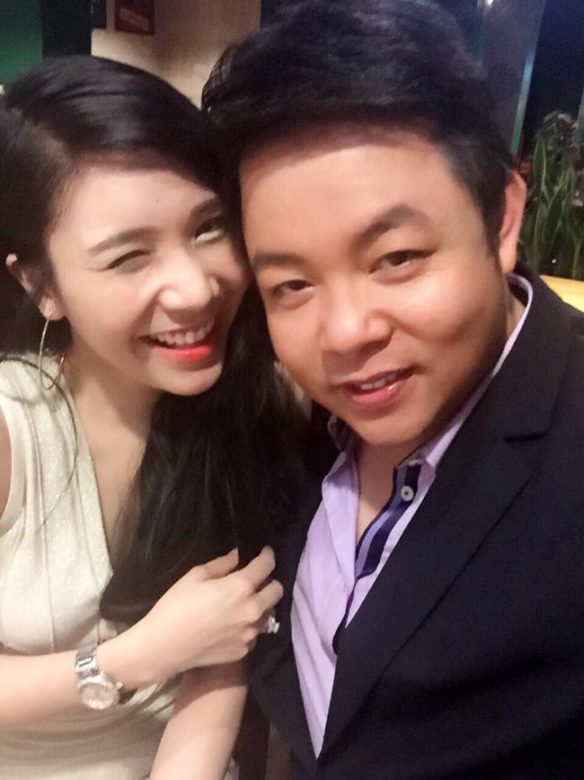 Thanh Bi và Quang Lê là cặp đôi gây chú ý trong showbiz Việt 2 năm gần đây. Nam ca sỹ hơn bạn gái 14 tuổi.