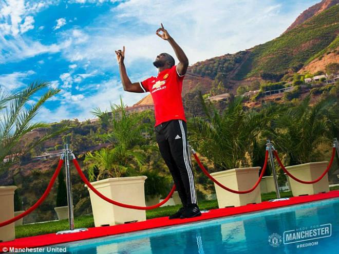 Lukaku chính thức về MU: Không lấy áo Rooney, chọn kế vị Ibra - 4