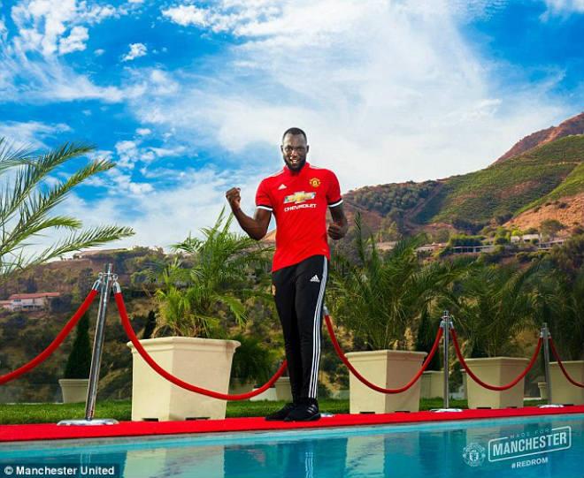 Lukaku chính thức về MU: Không lấy áo Rooney, chọn kế vị Ibra - 8
