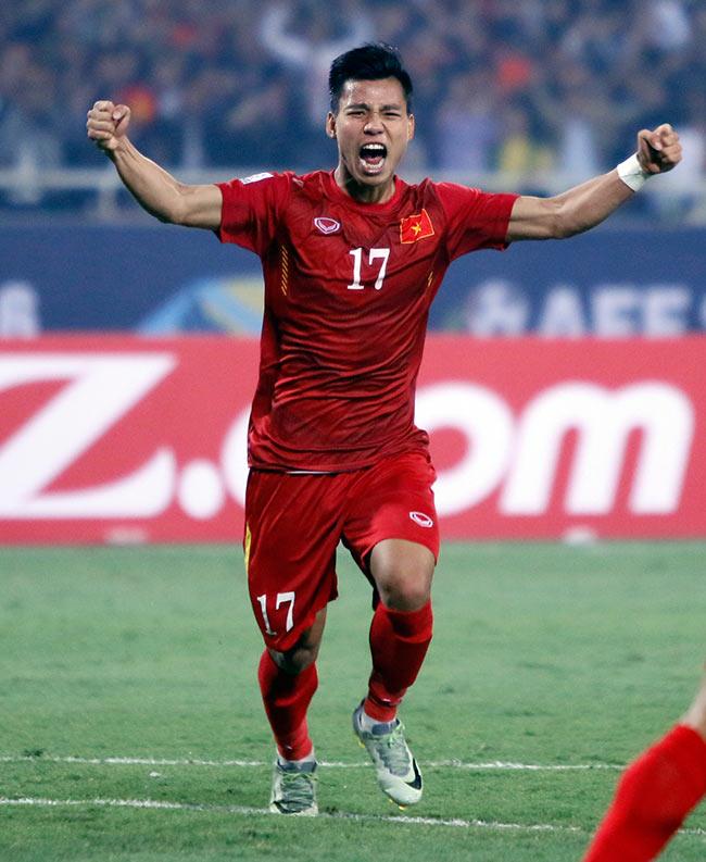 """Hậu vệ """"dội bom"""" Văn Thanh: Gác giấc mơ Europa League, săn HCV SEA Games - 1"""
