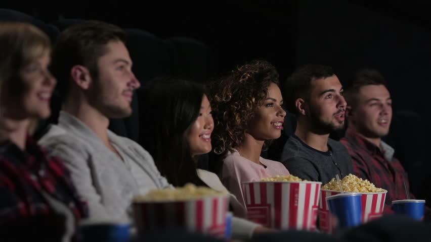 Giờ mới biết vì sao cứ xem phim lại phải ăn bỏng ngô - 1