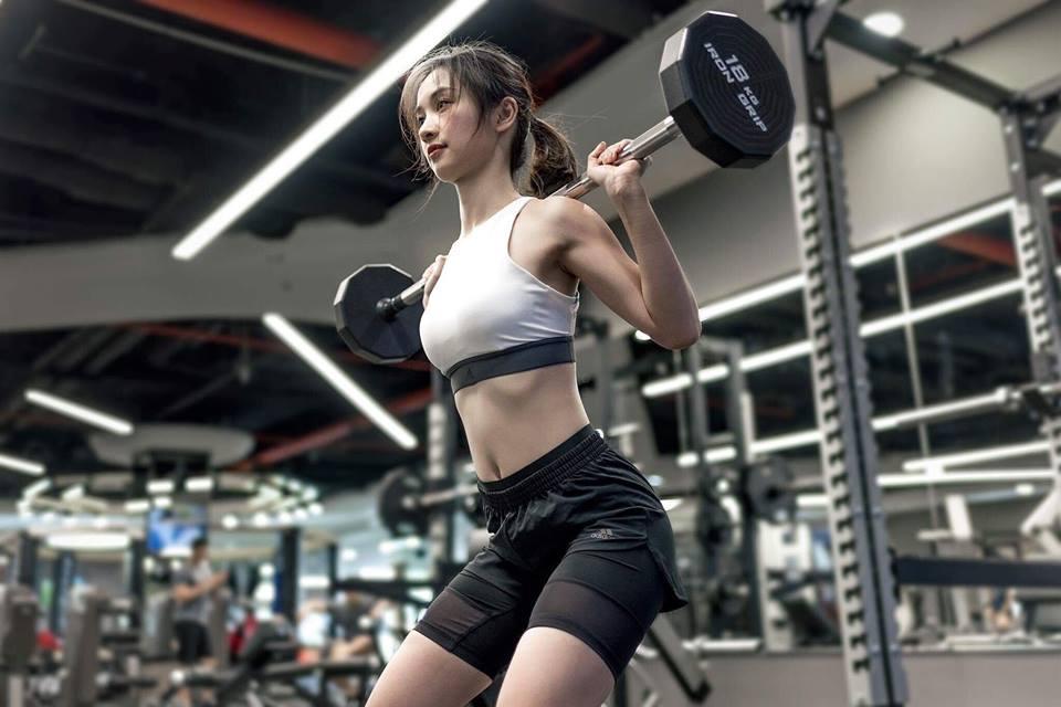 Nữ diễn viên Jun Vũ giữ vòng eo con kiến bằng Muay Thái - 9