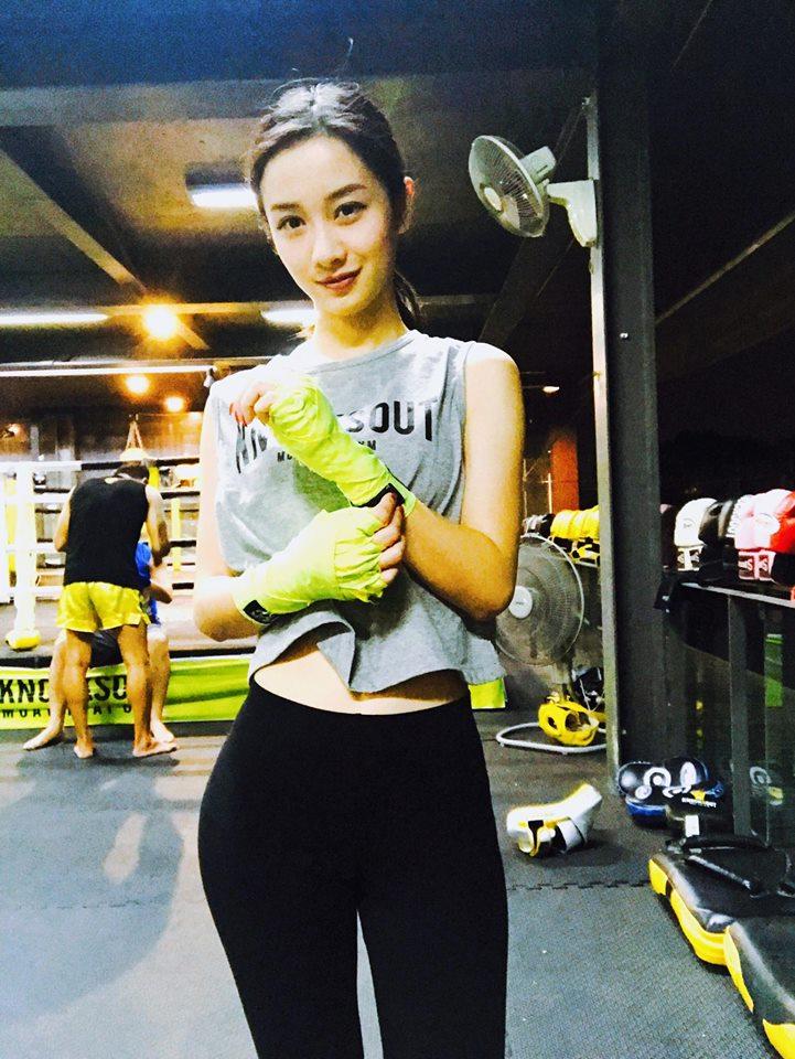 Nữ diễn viên Jun Vũ giữ vòng eo con kiến bằng Muay Thái - 7