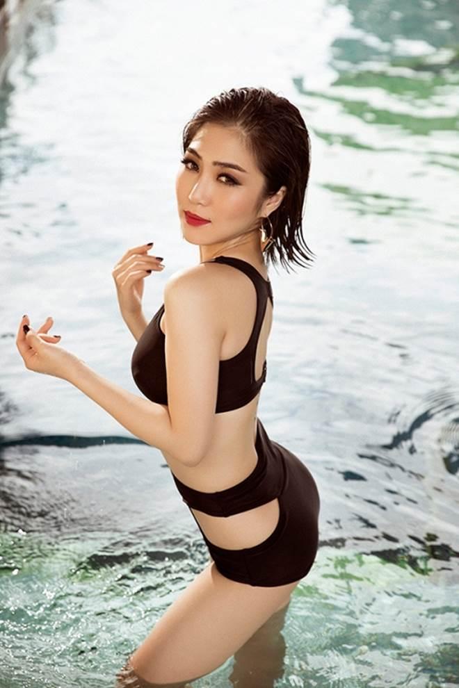 Hương Tràm khoe 3 vòng đẹp hoàn mỹ với đồ bơi lưới - 3