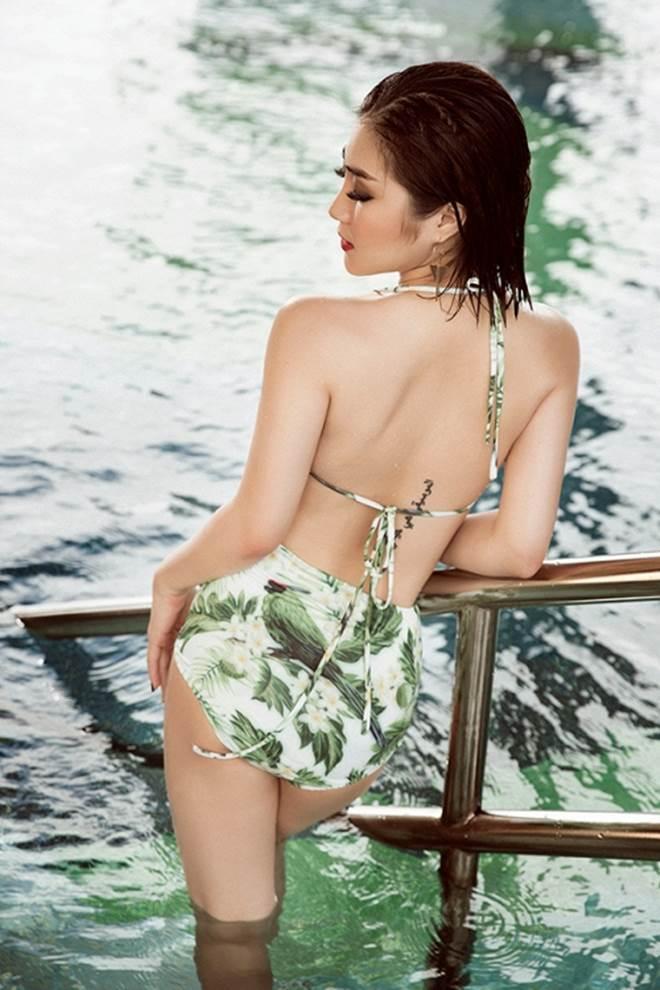 Hương Tràm khoe 3 vòng đẹp hoàn mỹ với đồ bơi lưới - 7