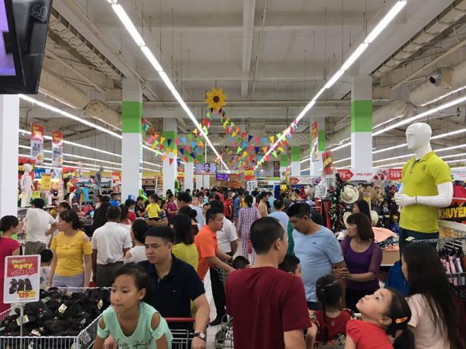 Vì sao hàng ngàn người đổ xô mua sắm tại Big C? - 3