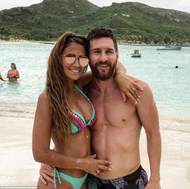 """Messi đi nghỉ với """"hot girl đặc biệt"""": Vui chơi 146 triệu đồng/đêm - 1"""