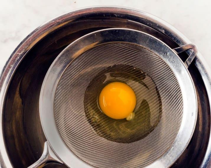 Những mẹo vừa nhanh, vừa tiện biến bạn thành chuyên gia nấu trứng - 4
