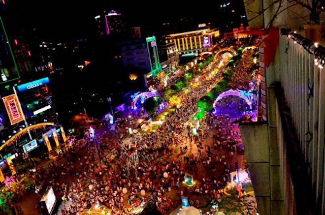 """""""Biến"""" phố đi bộ Nguyễn Huệ thành kinh đô ánh sáng hoành tráng chưa từng có - 1"""