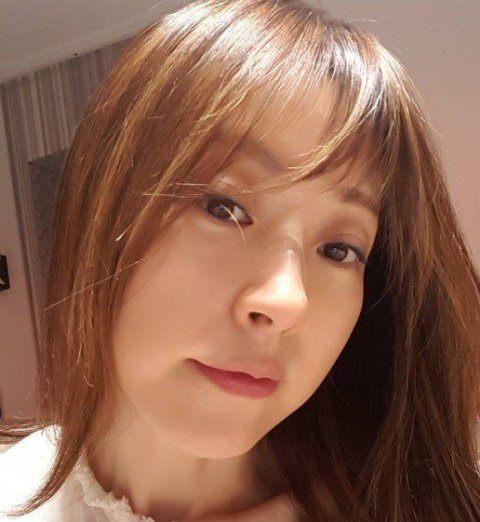 """Trẻ như gái son, mỹ nhân U60 xứ Kim chi bị gán mác """"ma cà rồng"""" - 2"""