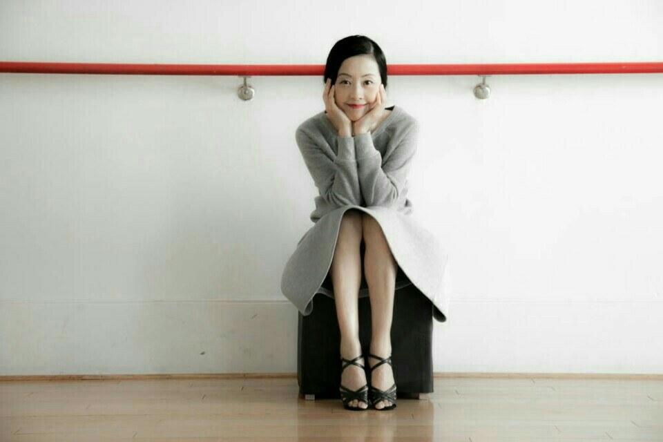 """Trẻ như gái son, mỹ nhân U60 xứ Kim chi bị gán mác """"ma cà rồng"""" - 5"""