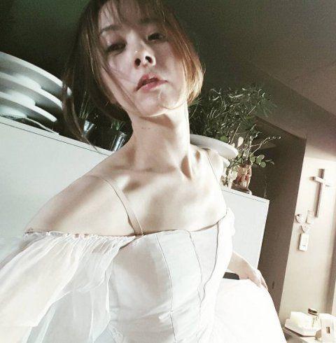 """Trẻ như gái son, mỹ nhân U60 xứ Kim chi bị gán mác """"ma cà rồng"""" - 9"""