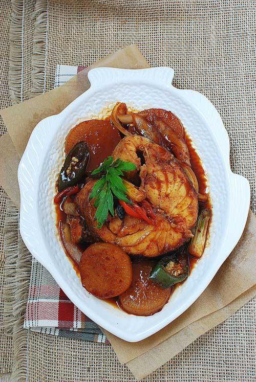 Cách nấu cá tuyết kho củ cải vét sạch nồi cơm - 5