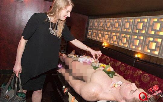 Mẫu nude tiệc sushi khổ sở vì khách dùng đũa sàm sỡ - 8