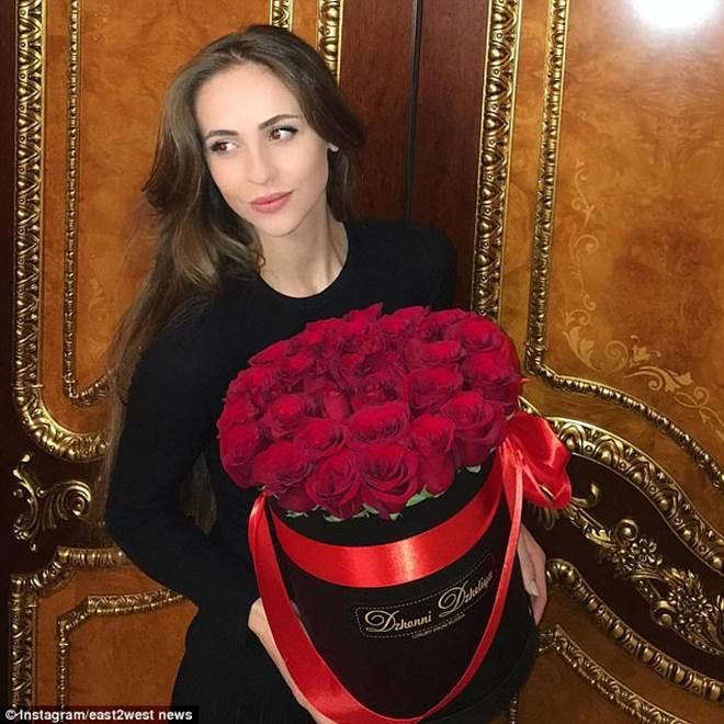 Váy cưới 227 tỷ đẹp như giấc mơ của con gái tỷ phú dầu khí Nga - 12