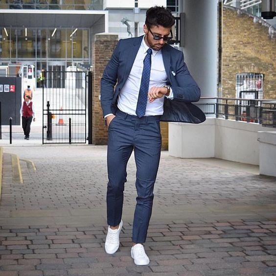 Quý ông sành điệu phải mặc veston với giày thể thao! - 2