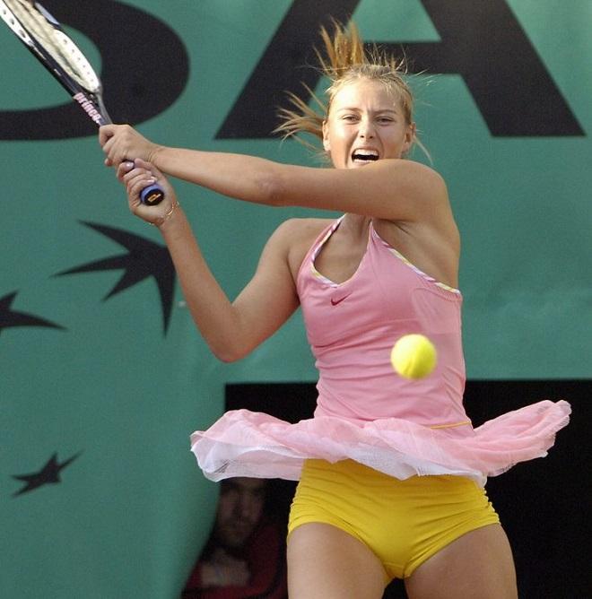 Tròn mắt ngắm váy tennis ngắn cũn cỡn như váy ngủ, nội y - 10