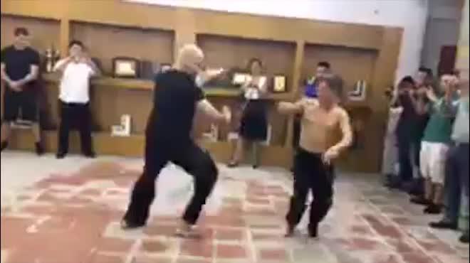 Võ sư Vịnh Xuân dễ bị kích động, kém xa Huỳnh Tuấn Kiệt