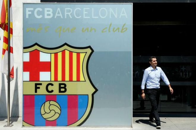Barca: Messi siêu tiền đạo hóa siêu tiền vệ, bước lùi hay tiến hóa? - 1