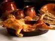 """Heo sữa đút lò Tây Ban Nha cochinillo asado - """"Thỏi vàng ròng"""" giữa trung tâm bàn tiệc"""