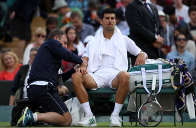 Wimbledon, Djokovic hãy học Federer: Lùi 1 bước, nhảy vọt 2-3 bước - 1