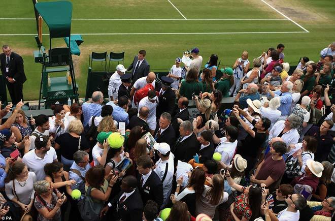 Wimbledon: Hoàng gia Anh và dàn VIP khủng xem Federer - Cilic - 10