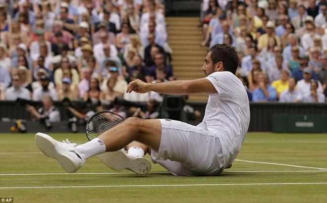Clip hot Wimbledon: Những tuyệt kĩ mê hồn của Federer - 2