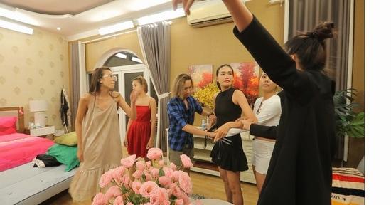 Next Top Model đánh cãi nhau như ngoài chợ: Khán giả bực bội, sao Việt lên tiếng - 1