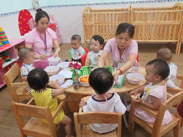 TP.HCM ráo riết tuyển 4000 giáo viên - 1