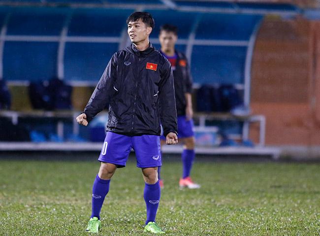 U23 Việt Nam: Tuấn Anh tập hăng say, HLV Hữu Thắng vẫn chưa vui - 8