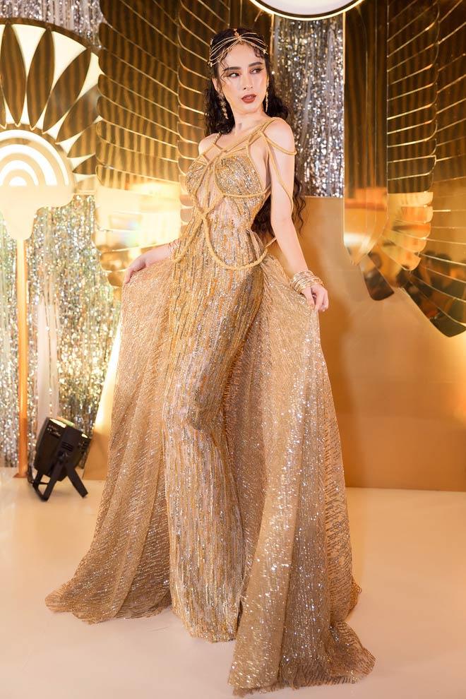 Váy trong suốt của Huyền My chỉ xếp thứ 4 top mặc đẹp - 2