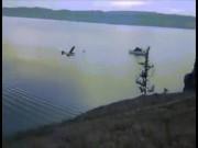 Thế giới - Video máy bay chở du khách đâm hồ nước lớn nhất thế giới