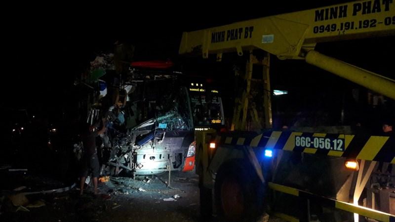 Kinh hoàng: 3 xe giường nằm tông nhau, 20 người thương vong - 6