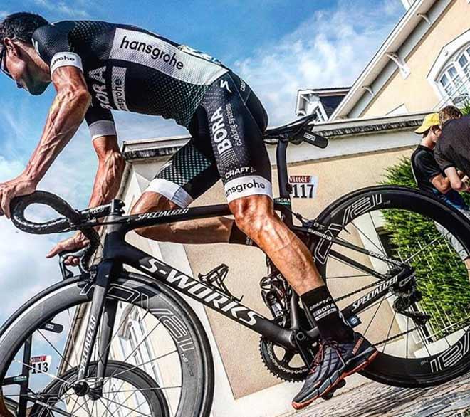 """Hình ảnh gây choáng: Đua xe đạp số 1 thế giới, đôi chân """"biến dạng"""" - 2"""