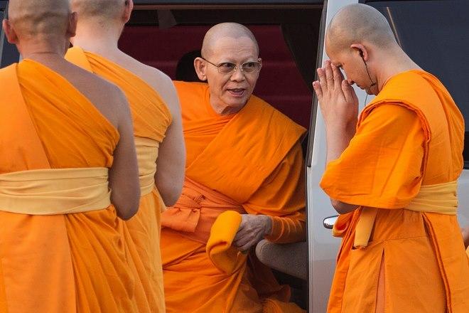 3 nhà sư ăn chơi khét tiếng bậc nhất Thái Lan - 4