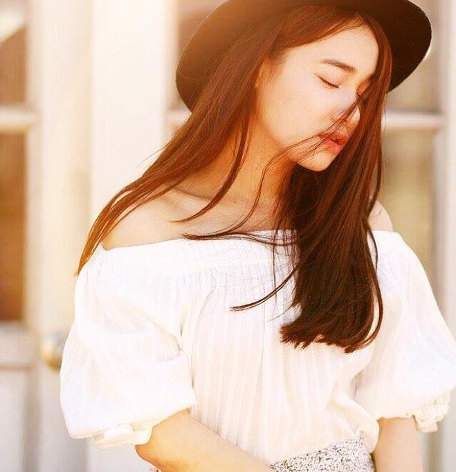 """Váy áo """"lả lơi"""" lộ vai nõn nà của bạn gái Trường Giang - 9"""