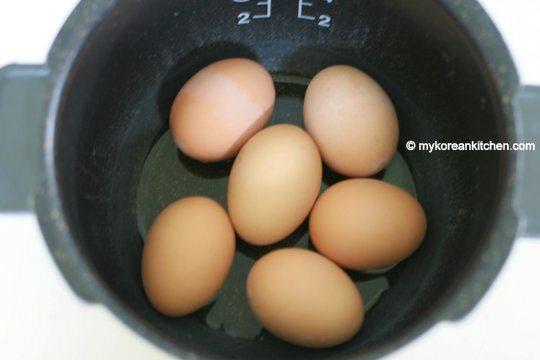 Bật mí cách làm món trứng tắm hơi nổi như cồn trong phim Hàn - 4