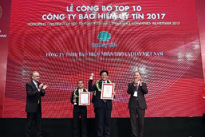 Bảo hiểm nhân thọ Cathay Việt Nam đạt giải thưởng top 10 công ty bảo hiểm uy tín năm 2017 - 2