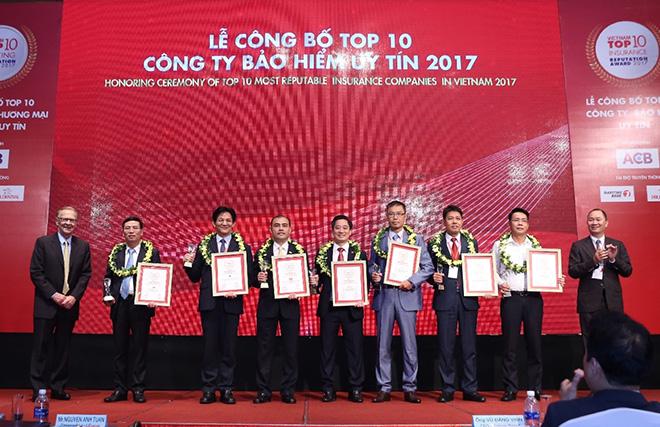 Bảo hiểm nhân thọ Cathay Việt Nam đạt giải thưởng top 10 công ty bảo hiểm uy tín năm 2017 - 3