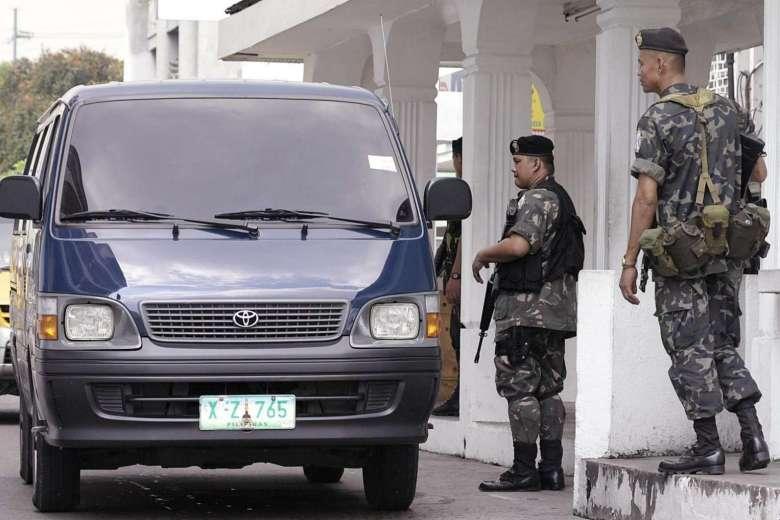 Giả làm lính, phiến quân giết vệ sĩ của TT Philippines - 1