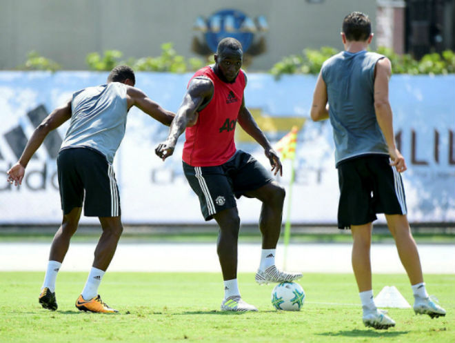 "MU đấu Man City: Mourinho bắt Lukaku giải ""toán khó"" - 1"