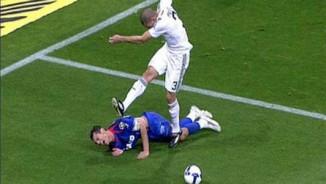 """Hung thần các siêu sao, Pepe: """"Nạn nhân"""" Messi và gã đồ tể """"lãng mạn"""""""